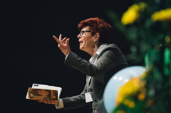 Helga Rohra in Aktion.jpg